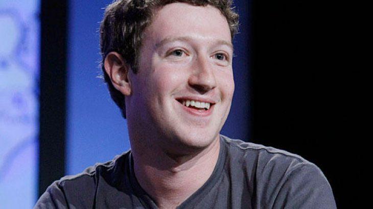 Mark Zuckerberg shet 500 milion dollarë aksione në Facebook