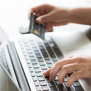 Bien ndjeshëm blerjet online në Shqipëri