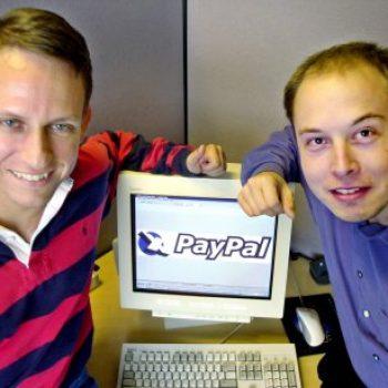 Elon Musk bleu uebsajtin e kompanisë së tij të parë X.com