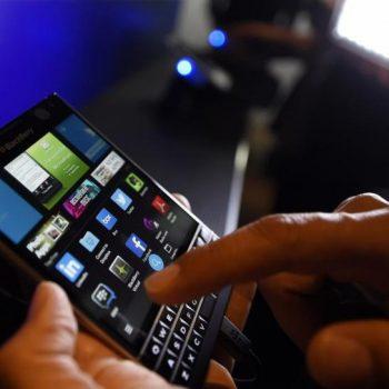 Rënia e një perandorie, investitorët e BlackBerry humbin besimin