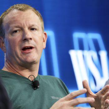 """Ish themeluesi i WhatsApp flet për """"përplasjet e tij"""" me Zuckerberg"""