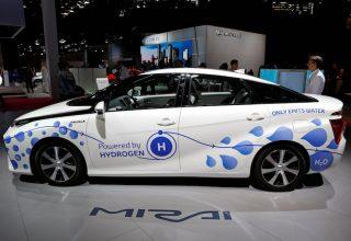 Toyota investon 2.8 miliardë dollarë për makinat e automatizuara