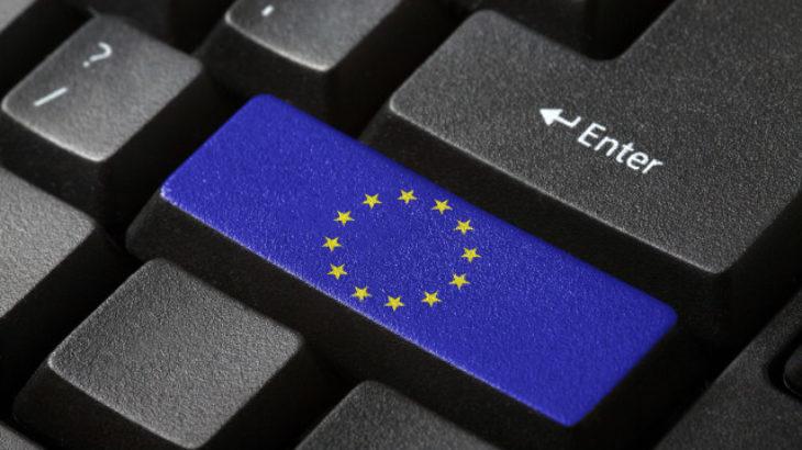 Shefi i BE-së për dixhitalizimin kërkon nga ligjvënësit Evropian të zbusin qëndrimin ndaj të drejtave të autorit