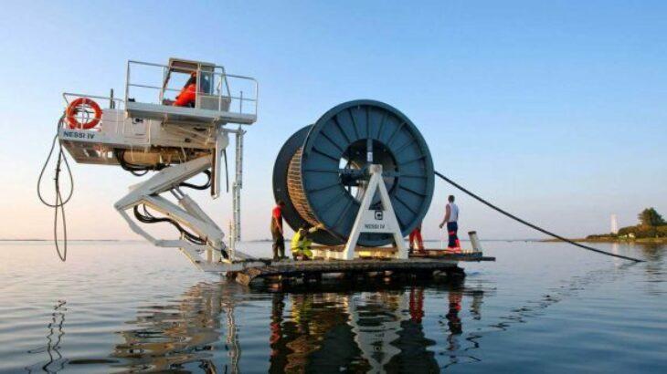 Facebook ndërton në Afrikë kabllin optik nënujor më të gjatë në botë